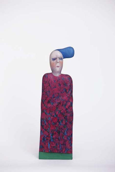 Ženska figura s plavom frizurom