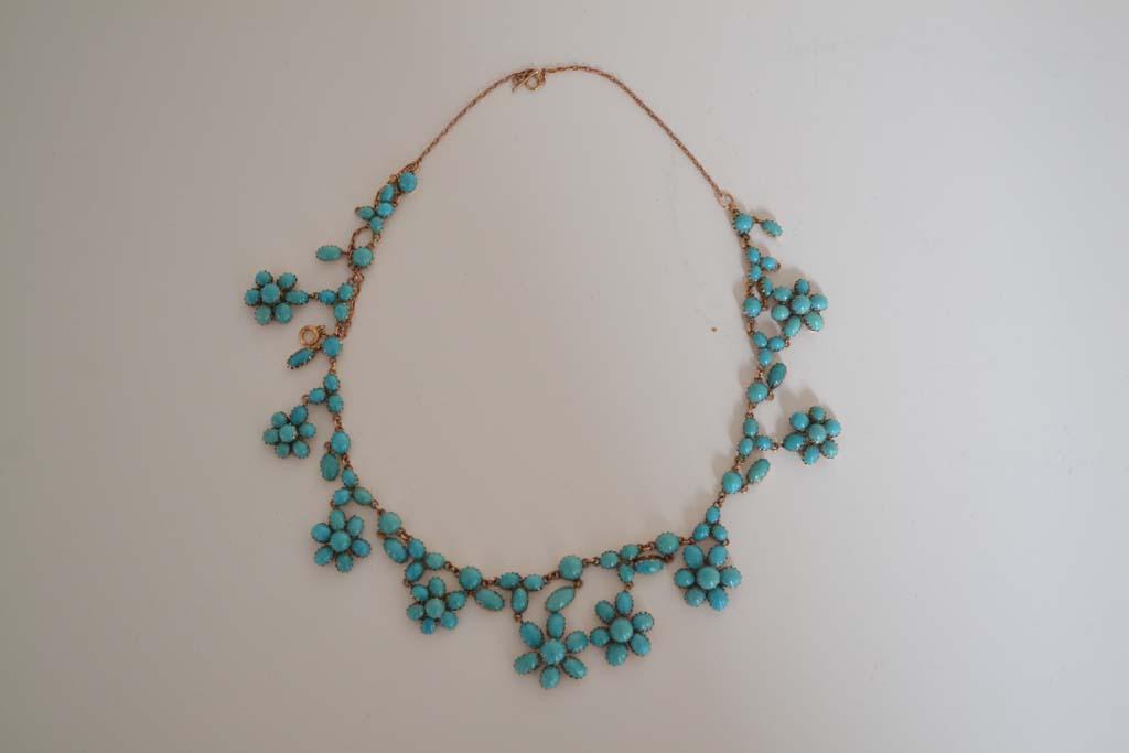 Ogrlica od plavih tirkiznih cvjetića težine 35.6g s 14kt žutim zlatom