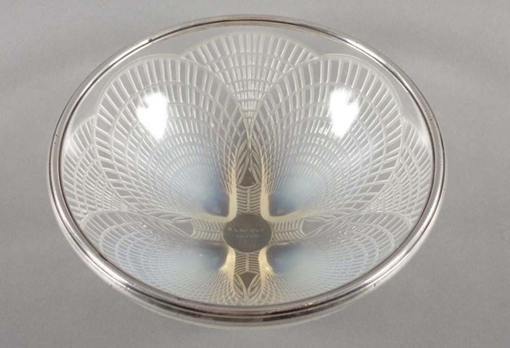 Lalique Coquille posudica od opalescentnog stakla
